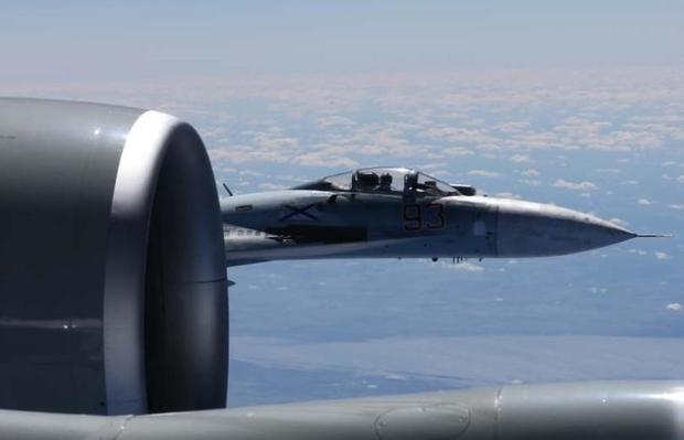 170622-intercept-russia-us-recon-jet-01.jpg