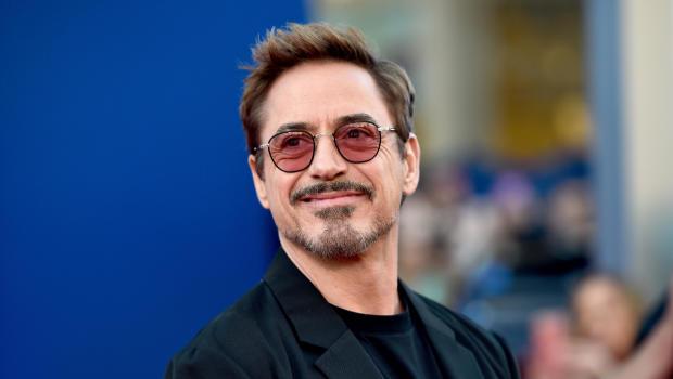 Robert Downey Jr Avengers Directors Beg Fans Not To Spoil The Film Cbs News