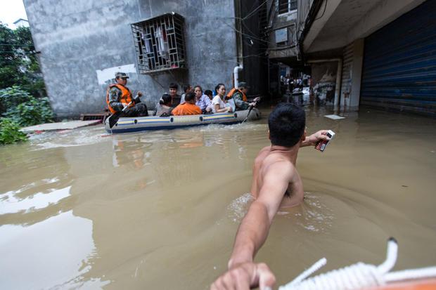 china-flooding-guangxi-rescue.jpg