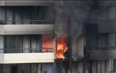 3 killed after fire breaks out in Hawaii high-rise with no sprinklers