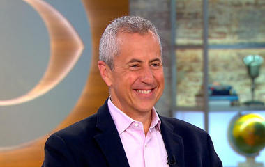 Restaurateur Danny Meyer becomes first non-chef to win Julia Child Award