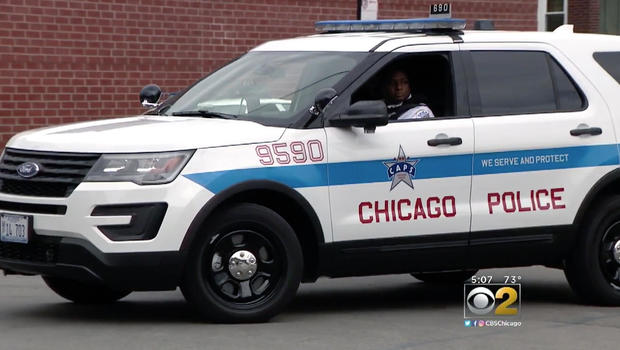Shot, 1 Fatally, in Parking Lot on Chicago's South Side