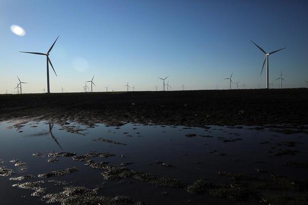 wind-gettyimages-467860706.jpg
