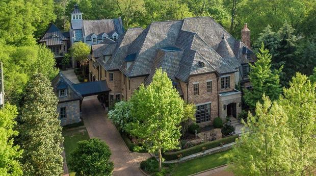 10 homes you can buy for 10 million cbs news for Build on your land nashville tn