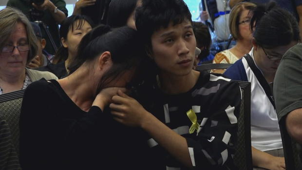 yingying-mom-and-brother.jpg
