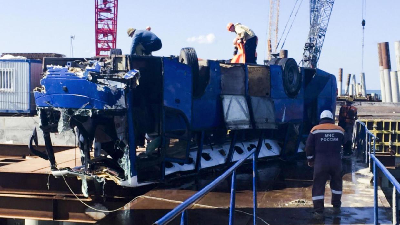 Суд арестовал владельца и водителя упавшего в море автобуса с рабочими