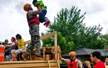 National Guard mobilizes troops in Texas after Harvey