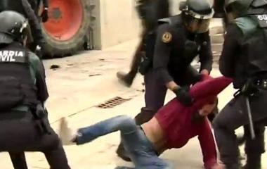 More than 800 people injured after clashing with police in Catalonia