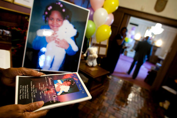 Milwaukee Community Mourns Shooting Death Of 4-Year-Old Girl