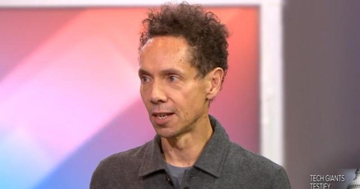 Malcolm Gladwell looks at the future of self-driving cars - CBS News