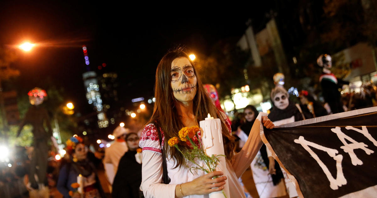 Nyc Halloween Parade Goes On After Terror Attack Cbs News