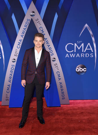 CMA Awards red carpet 2017