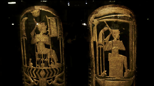 Previously unseen treasures from King Tut's tomb on display - CBS News