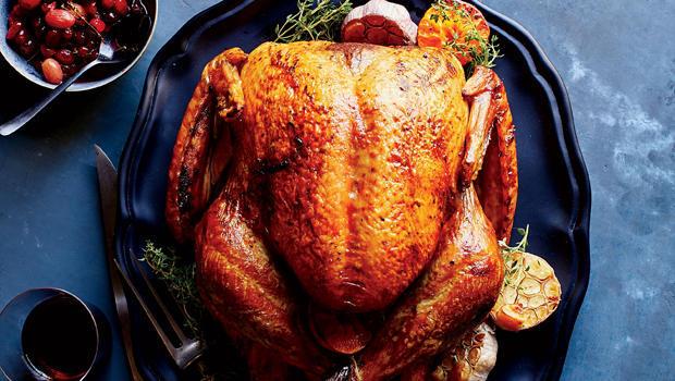 food-and-wine-clementine-and-garlic-roast-turkey-620.jpg
