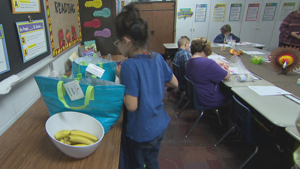 school-lunch-programs-breakfast-in-class-620.jpg