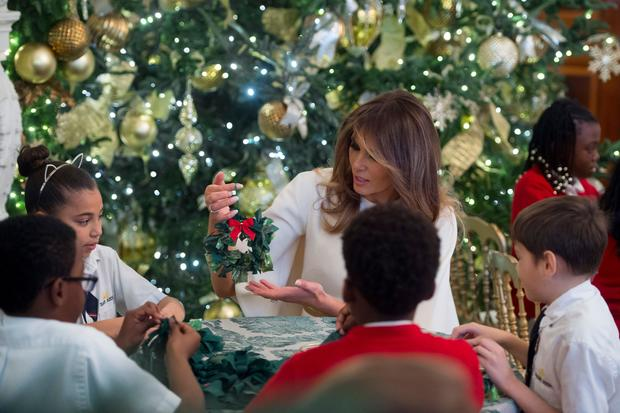 christmas decorations white house christmas 2017 pictures cbs news - Trump Christmas Decorations