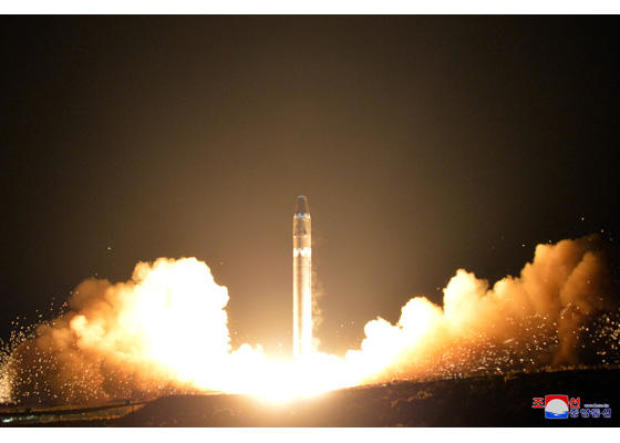171129-nk-missile-launch-01.jpg