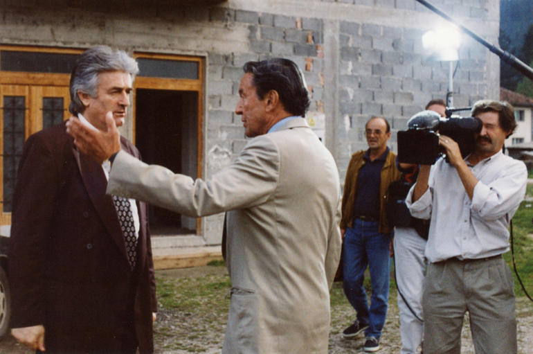3-mike-wallace-interviewing-radovan-karadzic.jpg