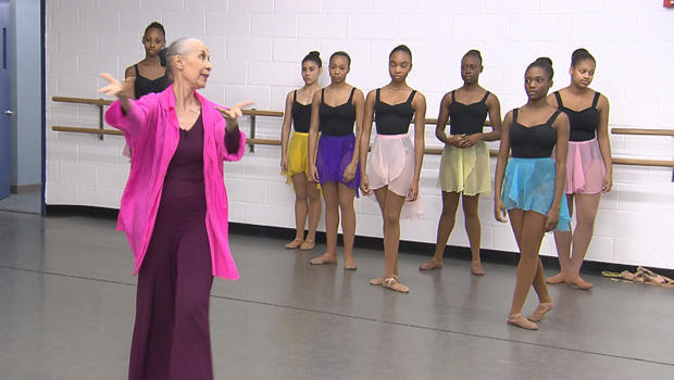 carmen-de-lavallade-class-at-dance-theatre-of-harlem-620.jpg