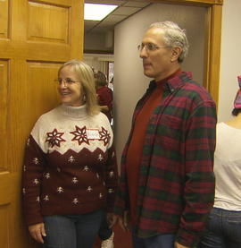david-and-michelle-fein-started-the-christmas-tree-project-to-provide-decorated-trees-to-families-in-need-credit-cbs-news.jpg