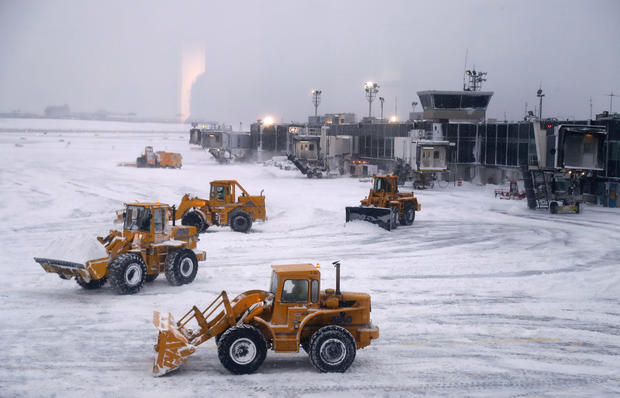 Winter Storm Causes Thousands of Flight Cancellations Along East Coast