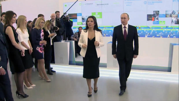 margarita-and-putin-walk-2.jpg