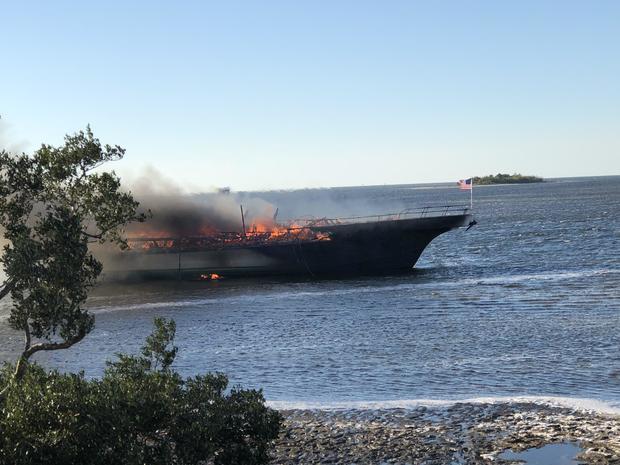port-richey-boat-fire.jpg