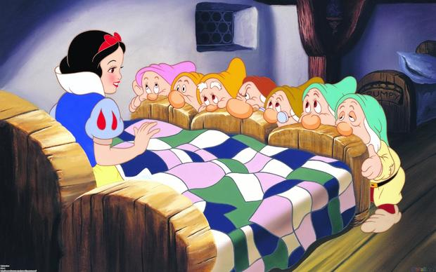 snow-white-and-the-seven-dwarfs-65937501.jpg