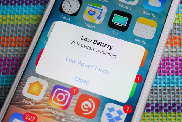 180125-cnet-iphone-low-battery.jpg