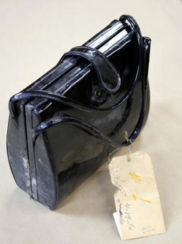 garza-purse-evidence.jpg