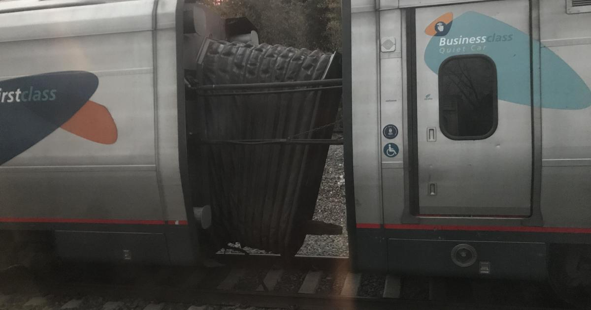 Amtrak train separates on busy Acela line