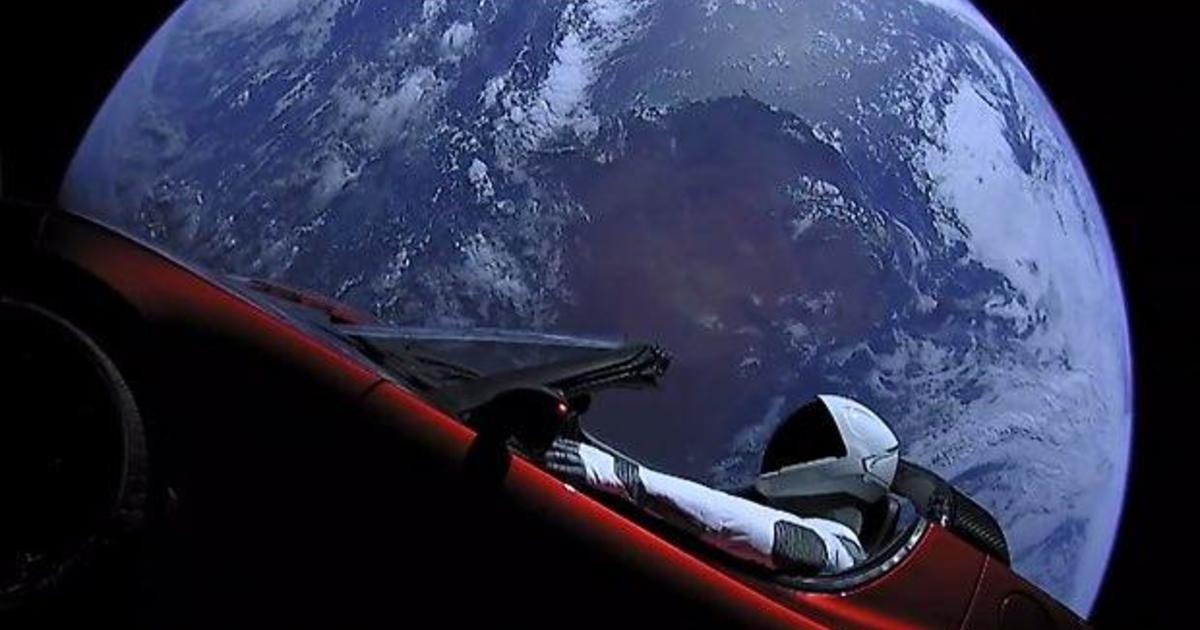 Elon Musk's Tesla Roadster won't hit Earth anytime soon