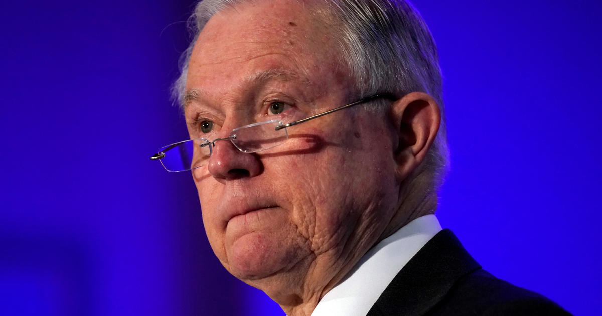 Jeff Sessions honored by Justice Department officials past and present, given Cabinet chair