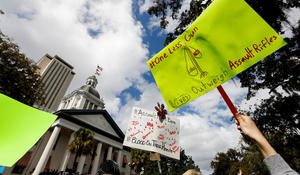 Students flood Florida Capitol to rally for gun control change