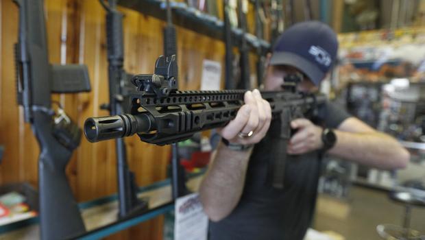 Town votes to ban assault rifles, fine violators $1,000 a day
