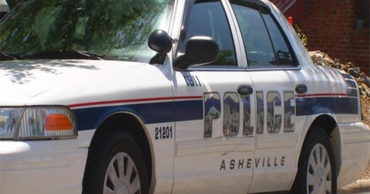 FBI opens criminal probe after officer seen on video beating accused jaywalker