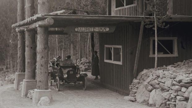 baldpate-inn-estes-park-opened-in-1917-620.jpg