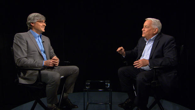 mo-rocca-with-walter-isaacson-interview-620.jpg