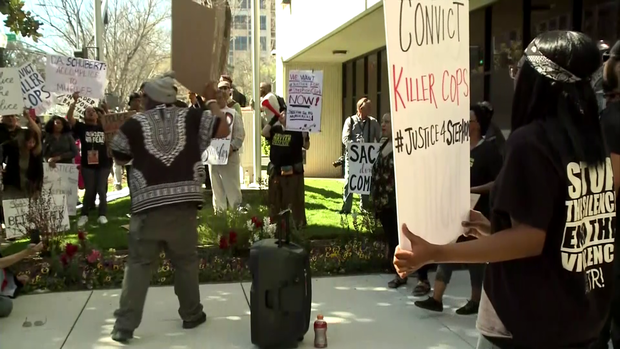 180327-cbssacramento-stephon-protesters-01.png