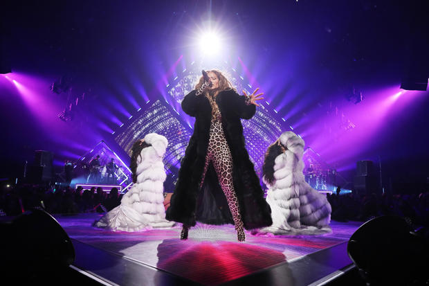 2018 DIRECTV NOW Super Saturday Night Concert In Minneapolis - Jennifer Lopez Performance