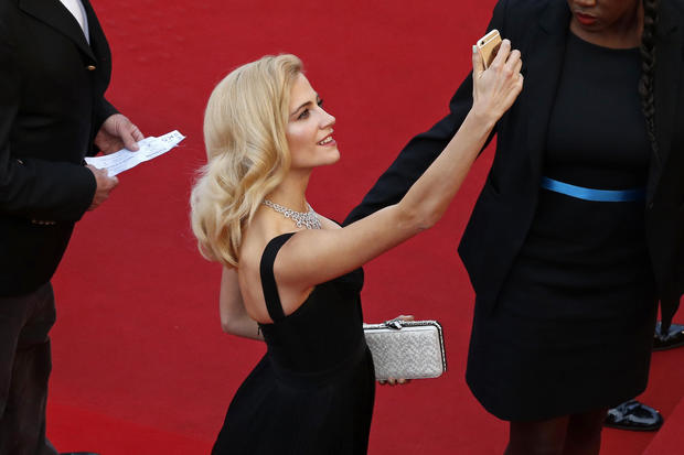 France Cannes No Selfies