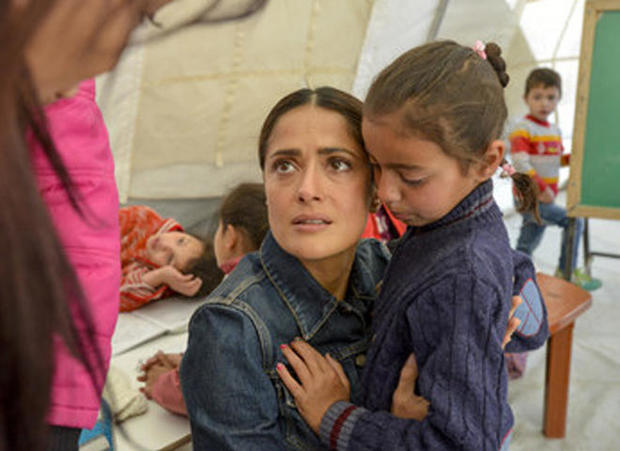 salma-hayek-during-a-2015-trip-to-lebanon-where-she-visited-with-syrian-refugee-children-b-sebastian-rich-unicef.jpg