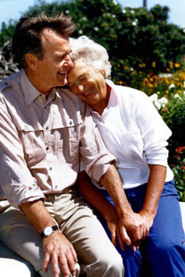 vice-president-bush-and-barbara-bush-in-kennebunkport-me-august-6-1988-gbplm.jpg
