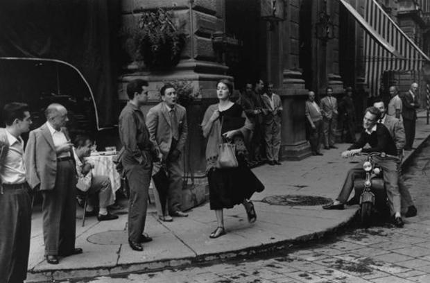 american-girl-in-italy-1951-copyright-1952-ruth-orkin-610.jpg