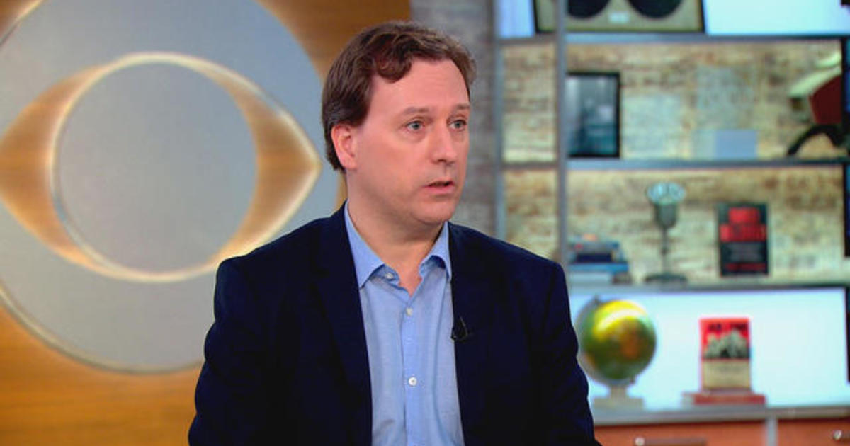 """Bad Blood"": John Carreyrou explores Theranos' fraud and collapse - CBS News"
