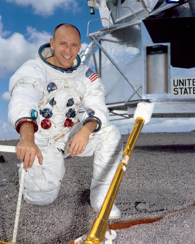 alan-bean-portrait-nasa.jpg