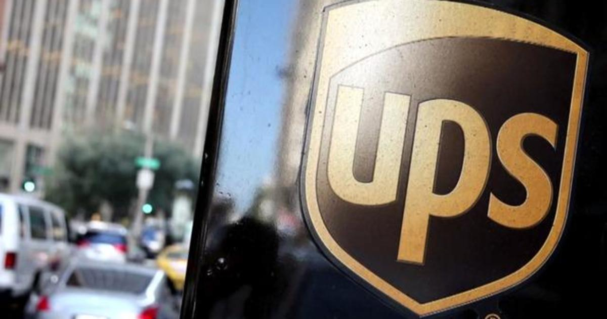 UPS workers vote in favor of authorizing strike