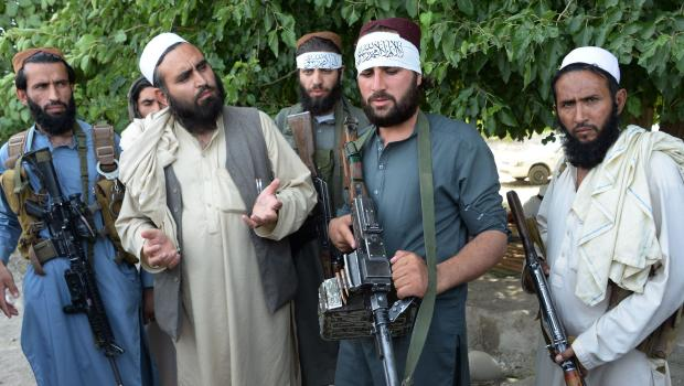 Ramadaan truce sees Taliban militants pose for selfies in Kabul