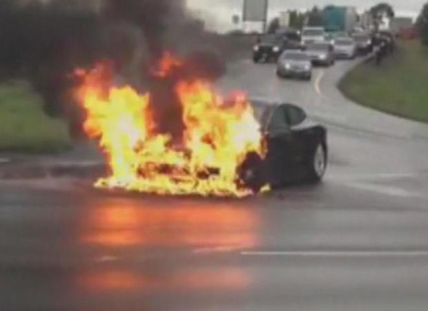 2013-tesla-car-fire-youtube-liveleak.jpg