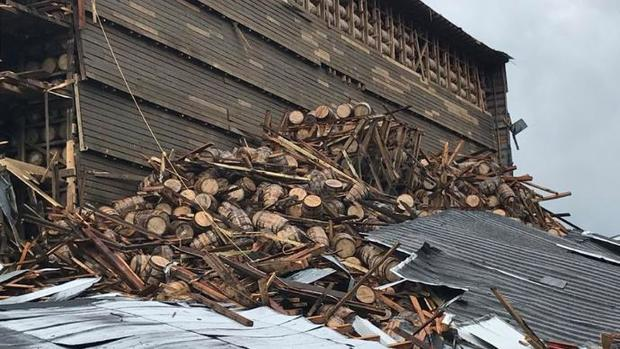Remainder of bourbon warehouse collapses